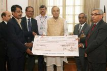 The Chairman and Managing Director Bharat Dynamics Limited, S.N. Mantha presenting a final dividend cheque