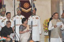 The President, Pranab Mukherjee administering the oath as Minister of State to Jayant Sinha, at a Swearing-in Ceremony