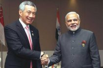 The Prime Minister, Narendra Modi meeting the Prime Minister of Singapore, Lee Hsien Loong, in Nay Pyi Taw, Myanmar