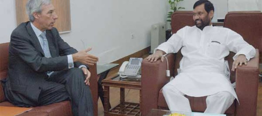 The Ambassador of the European Union to India, Dr. Joao Cravinho calling on the Minister for Consumer Affairs, Food and Public Distribution, Ram Vilas Paswan