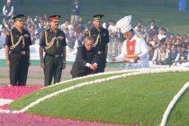 The President, Pranab Mukherjee paying floral tributes at the Samadhi of the former Prime Minister, Pandit Jawaharlal Nehru