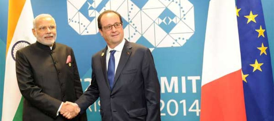 The Prime Minister, Narendra Modi meeting the President of France, Francois Hollande, in Brisbane, Australia on November 15, 2014.