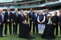 The Prime Minister, Narendra Modi with the Prime Minister of Australia, Tony Abbott,Sunil Gavaskar, Kapil Dev and V.V.S. Laxman