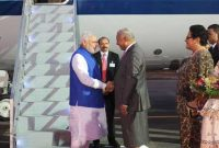 The Prime Minister, Narendra Modi being received on his arrival, at Nausori International Airport, in Suva, Fiji on November 19, 2014.