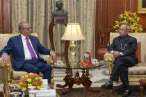 The President of the People's Republic of Bangladesh, Abdul Hamid calling on the President, Pranab Mukherjee, at Rashtrapati Bhavan