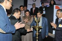 The Minister for Road Transport & Highways and Shipping, Nitin Gadkari lighting the lamp at the launch of a web portal