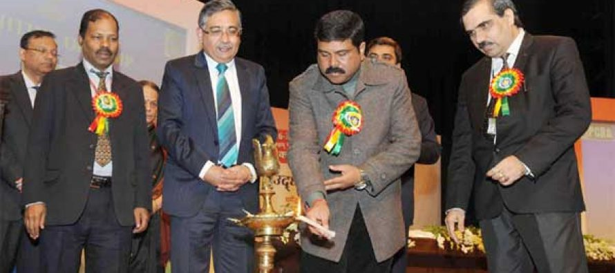 The MoS for Petroleum and Natural Gas (IC), Dharmendra Pradhan lighting the lamp to inaugurate the Oil & Gas Conservation Fortnight