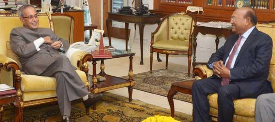 The Commerce Minister of People's Republic of Bangladesh, Tofail Ahmed calling on the President, Pranab Mukherjee,