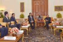 A delegation led by the Vice President of Myanmar, Dr. Sai Mauk Kham calling on the President, Pranab Mukherjee