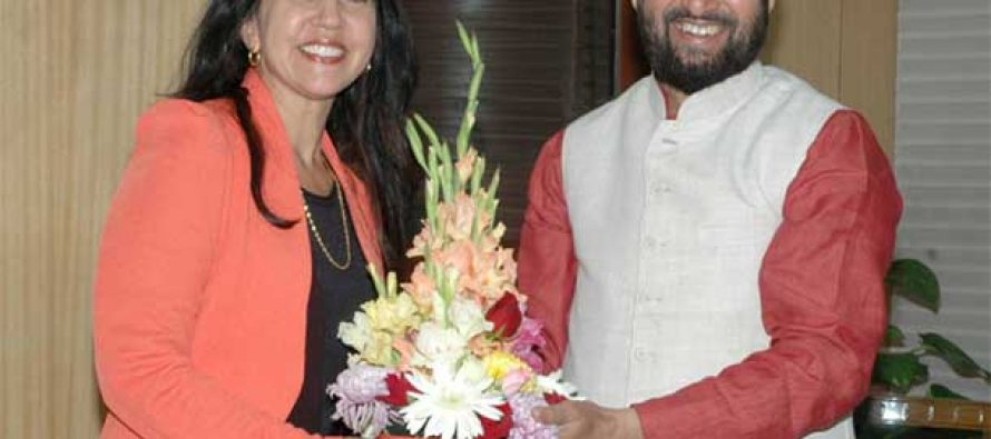 Minister of State for Environment, Forest and Climate Change (Independent Charge), Prakash Javadekar meeting the Australian Senator, Lisa Singh
