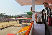 The Prime Minister, Narendra Modi flagging off the AC express between Naharlagun and New Delhi, at Itanagar, in Arunachal Pradesh