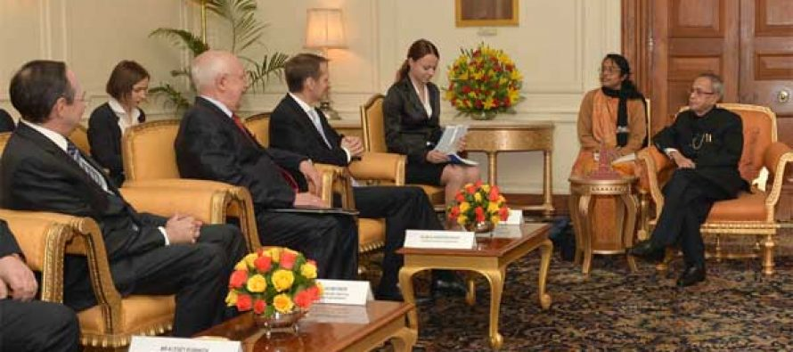 A parliamentary delegation led by the Chairman of State Duma, Federal Assembly of Russian Federation, Sergey Naryshkin calling on the President, Pranab Mukherjee