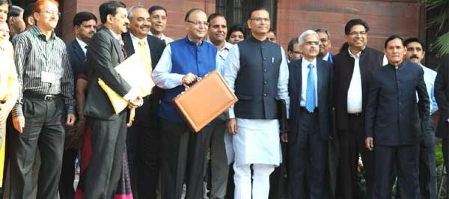 Roof for each family by 2022: Jaitley