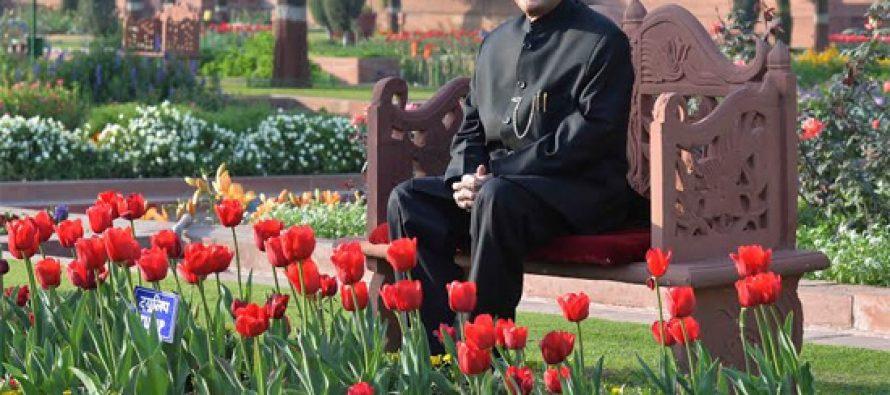 President Pranab Mukherjee gracing the opening of Mughal Garden at Rashtrapati Bhavan
