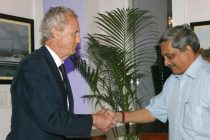 The Minister for Defence, Manohar Parrikar and the Spanish Defence Minister, Pedro Morenes Eulate