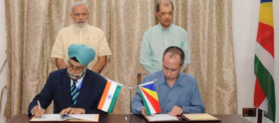 The Prime Minister, Narendra Modi and the President of Seychelles, James Michel witnessing the signing of agreements