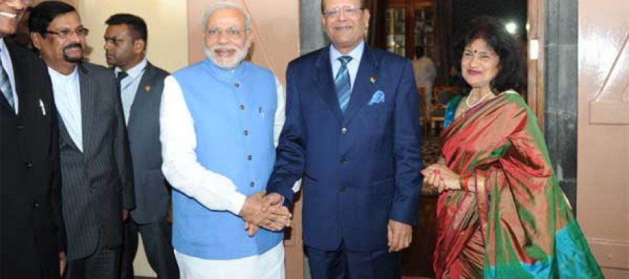 The Prime Minister, Narendra Modi meeting the President of Mauritius, Rajkeswur Purryag, in Mauritius on March 11, 2015.