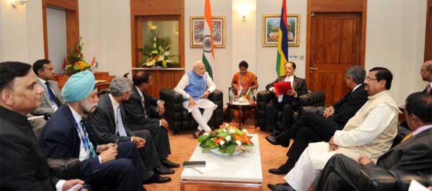 The Prime Minister, Narendra Modi and the Prime Minister of Mauritius, Sir Anerood Jugnauth at the delegation level talks
