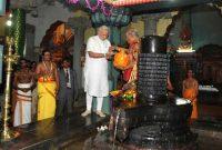 The Prime Minister, Narendra Modi offering prayers at the Naguleswaram Temple, in Jaffna, Sri Lanka on March 14, 2015.