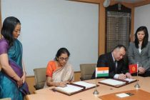 The MoS for Commerce & Industry (IC), Nirmala Sitharaman and the Minister of Energy and Industry of Kyrgyzstan, Kubanychbek Turdubaev