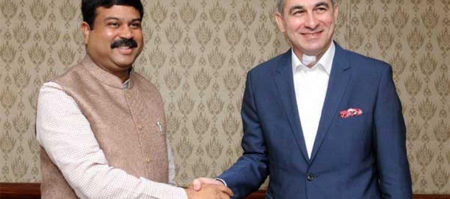 The Ambassador of Iraq to India, Ahmad Berwari meeting the MoS for Petroleum and Natural Gas (IC), Dharmendra Pradhan