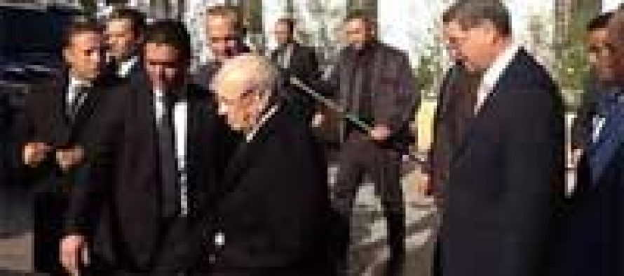 Tunisian president, PM visit victims injured in museum attack