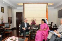 The MoS (IC) Commerce and Industry Nirmala Sitharaman and Ed Fast, Minister for International Trade, Canada