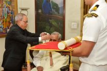 President confers Bharat Ratna on Vajpayee at home