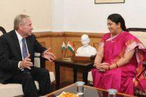 The Premier of Western, Australia, Colin Barnett meeting the Minister for Human Resource Development, Smriti Irani