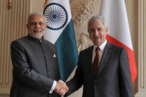 The Prime Minister, Narendra Modi with the President of the National Assembly, Claude Bartolone, in Paris on April 10, 2015.