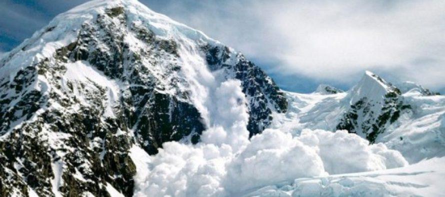 Nepal quake : Avalanche kills 10 climbers on Everest