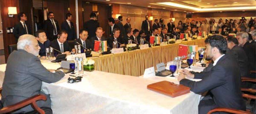 Modi invites top Chinese CEOs to Make in India