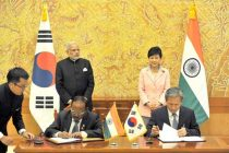 The Prime Minister, Narendra Modi and the President of Republic of Korea, Park Geun-hye, at the Agreement Signing Ceremony
