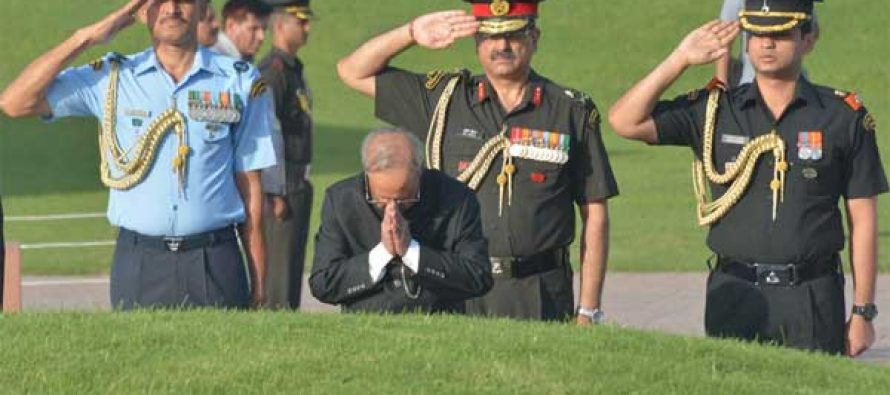 The President, Pranab Mukherjee paying homage at the Samadhi of the former PM, Pandit Jawaharlal Nehru on his 51th death anniversary