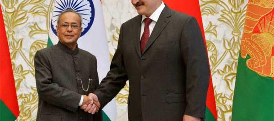 The President, Pranab Mukherjee calling on the President of the Republic of Belarus, Alexander Lukashenko,