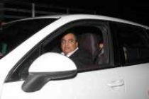 RIL buys Rs.11-crore armoured Merc for 'Z' security chairman