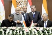 The Prime Minister, Narendra Modi and the President of Tajikistan, Emomali Rahmon witnessing the signing of agreement