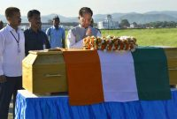 The Chief Minister of Assam, Tarun Gogoi paying homage at the mortal remains of the former President of India, Dr. A.P.J. Abdul Kalam