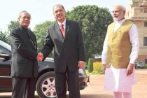 The President of the Republic of Seychelles, James Alix Michel being welcomed by the President, Pranab Mukherjee and the PM, Narendra