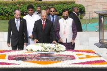 The President of the Republic of Seychelles, James Alix Michel laying wreath at the Samadhi of Mahatma Gandhi, at Rajghat, in Delhi.