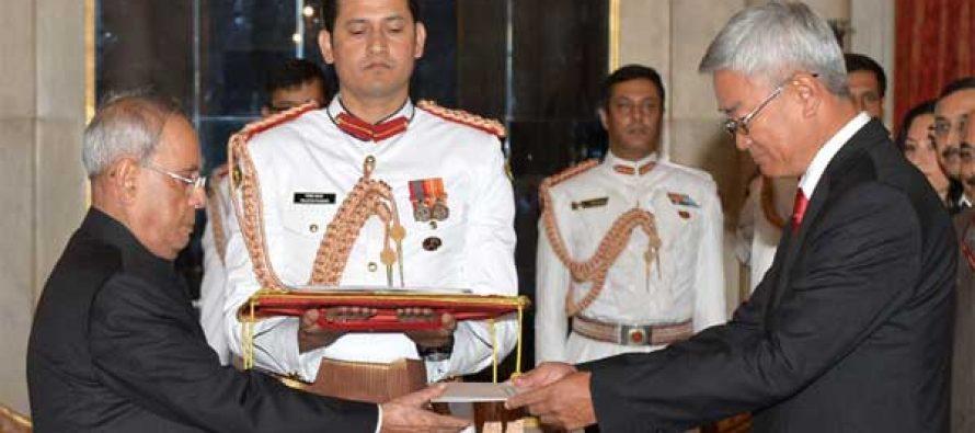 Ambassador-designate of Mongolia, Gonchig Ganbold presenting his Credentials to the President, Pranab Mukherjee