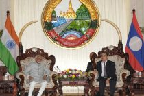 Vice President, Mohd. Hamid Ansari meeting the Prime Minister of Lao PDR, Thongsing Thammavong, in Vientiane