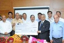 RECTPCL hands over dividend cheque of Rs. 9.51 crores to REC Limited