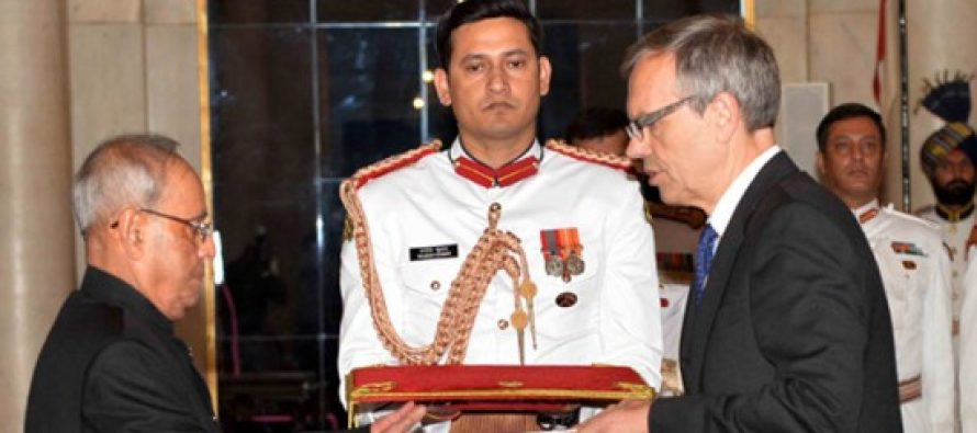HE Mr. Nils Ragnar Kamsvag, Ambassador-designate of the Kingdom of Norway presenting his Credential to the President of India, Shri Pranab Mukherjee at Rashtrapati Bhavan