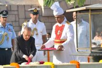 President, Pranab Mukherjee paying floral tributes at the Samadhi of Mahatma Gandhi on his 146th birth anniversary