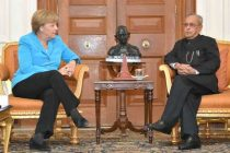 The German Chancellor, Dr. Angela Merkel meeting the President, Pranab Mukherjee, at Rashtrapati Bhavan, in New Delhi