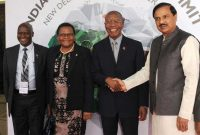 Prime Minister of Lesotho, Pakalitha Mosisili being received by the MoS for Culture (IC), Tourism (IC) and Civil Aviation, Dr. Mahesh Sharma,