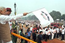 PM Modi flags off 'Run for Unity' at Rajpath