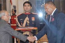 High Commissioner-designate of the republic of Malawi, Dr. Mbuya Isaac Munlo presenting his Credential to the President, Pranab Mukherjee