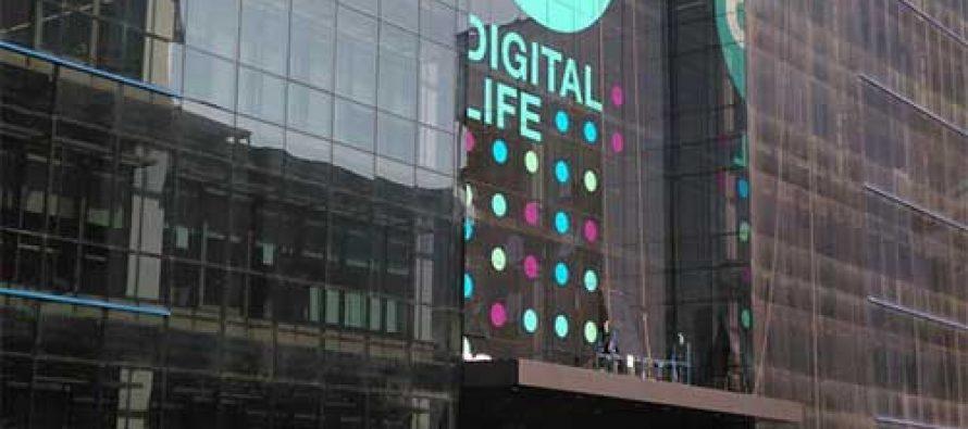 Reliance Jio to launch 4G services this year: Mukesh Ambani